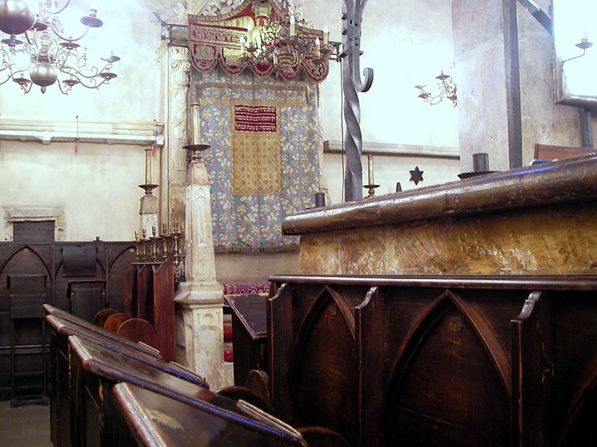 Staronova Synagoga (Eski-Yeni Sinegog)