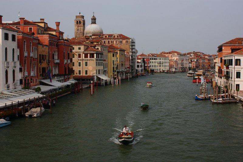 117 adacık arasından s çizerek geçen büyük kanal