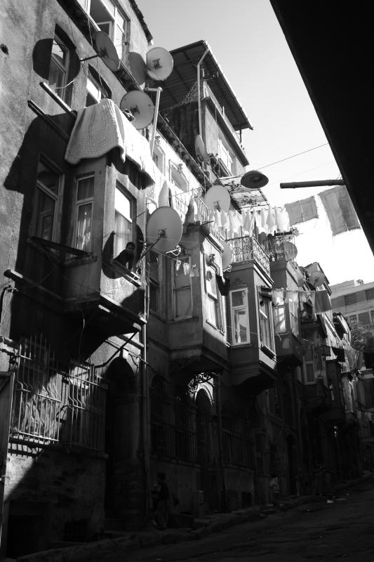 Tarlabaşı sokakları