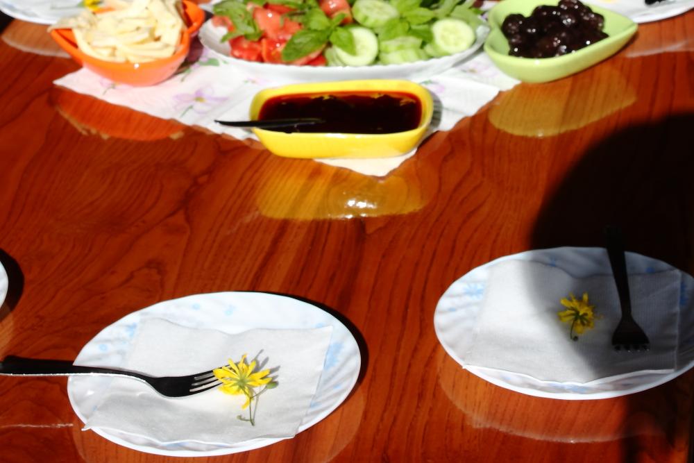 Koçira'da kahvaltı