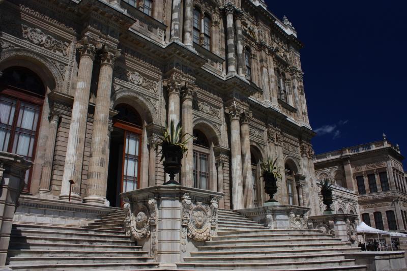Dolmabahçe Sarayı - Selamlık'ın İstanbul boğazına açılan kapısı