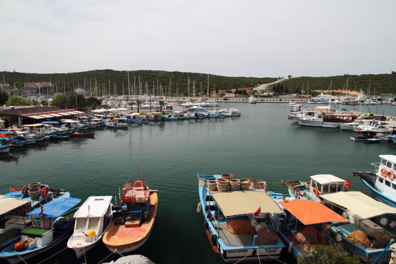 kaleden Sığacık limanı manzarası