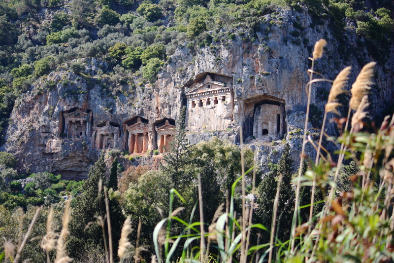 Kaunos kaya mezarları
