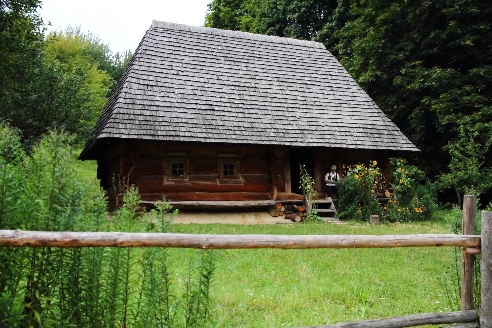 geleneksel kırsal Ukrayna evleri