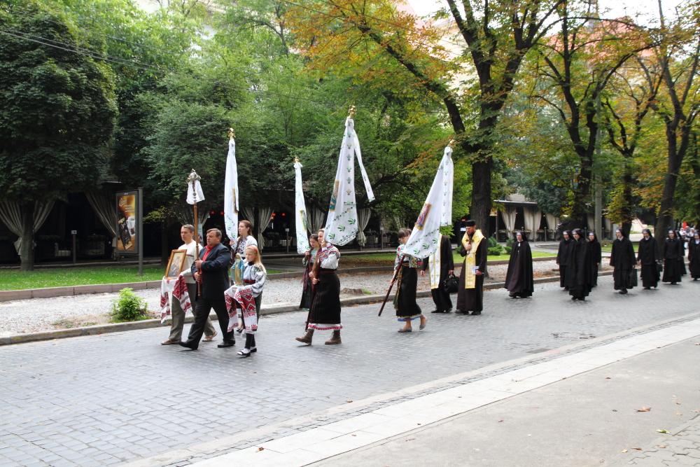 Pazar ayini sonrası protesto yürüyüşü