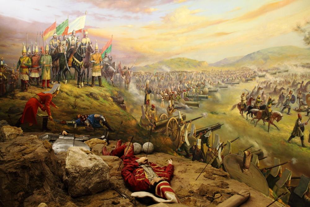 Mohaç Meydan Muharebesi: Al sancak devleti, ak sancak bağımsızlığı ve yeşil sancak da İslamiyet'i temsil eder.