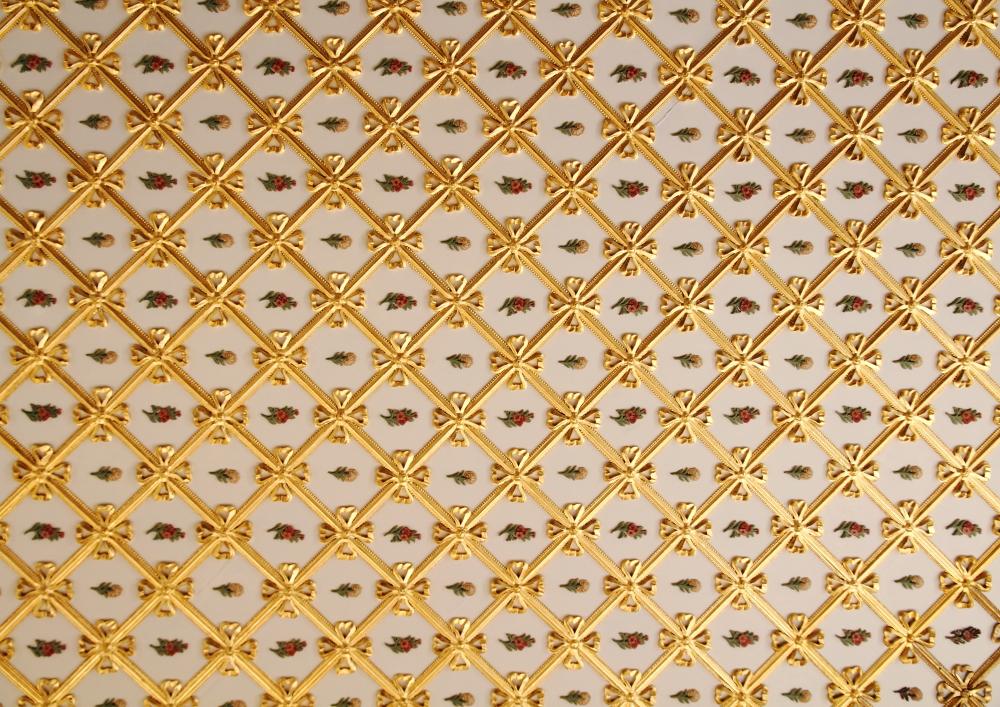 tavanlardaki zarif süslemeler rokoko mimari akımını yansıtır