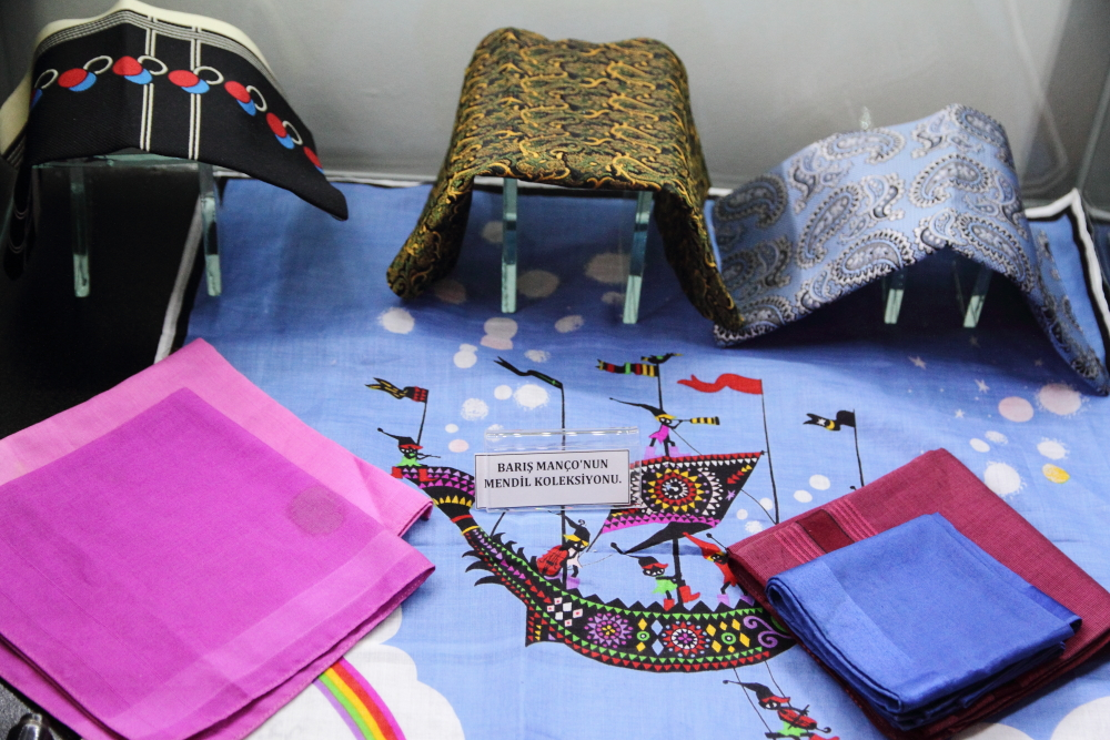 Barış Manço'nun mendil koleksiyonu