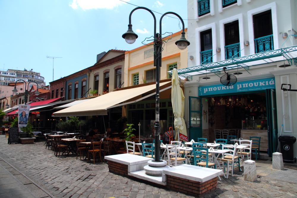 Ladadika sokakları
