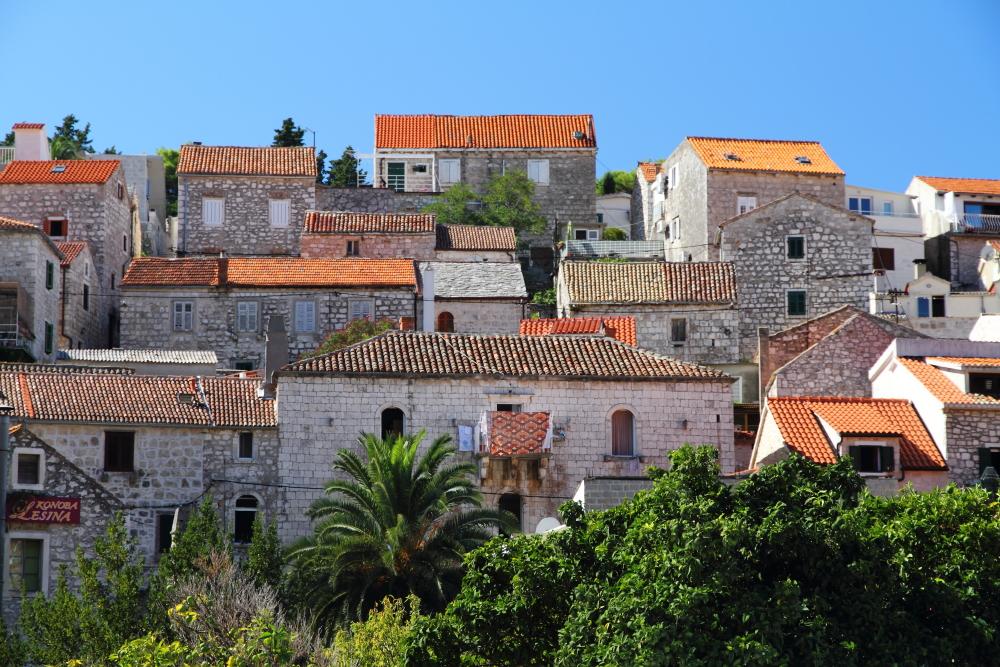 Hvar'ın taş evleri