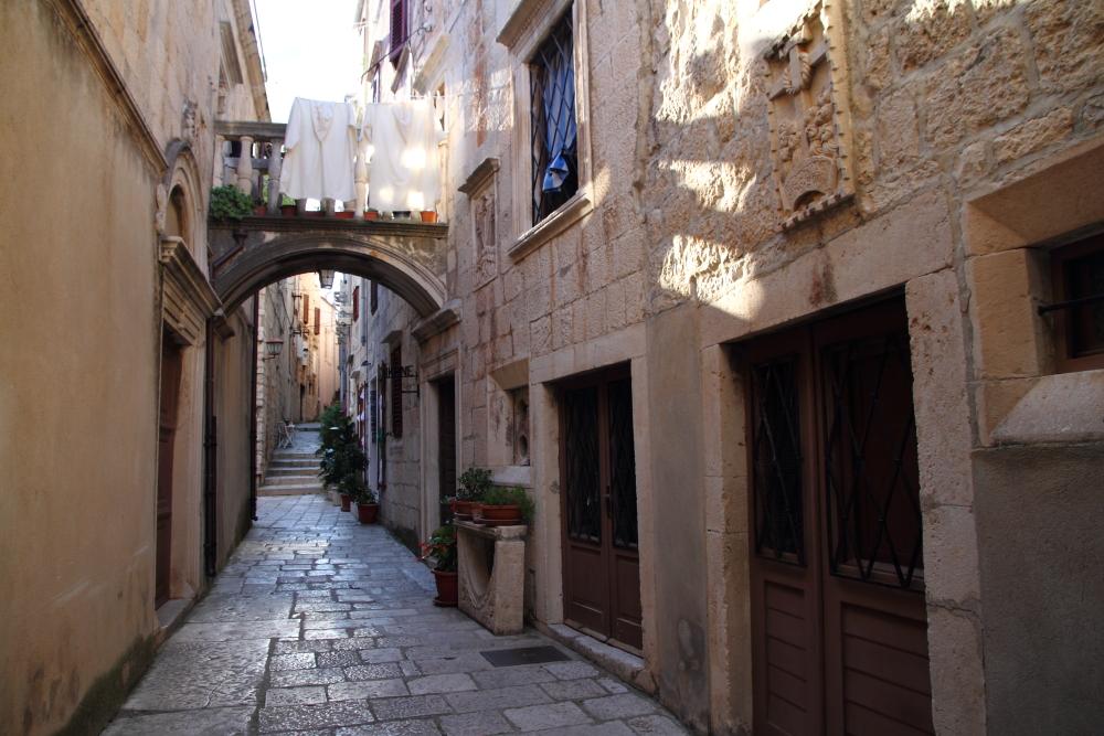 Korcula'nın taş sokakları