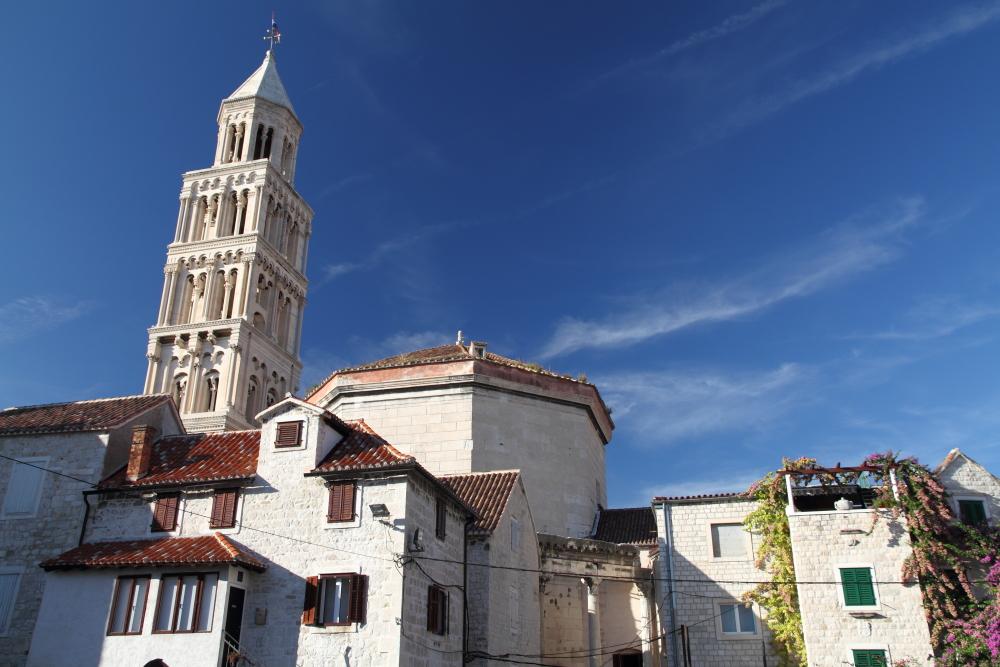 Split eski şehirdeki bir meydandan manzara