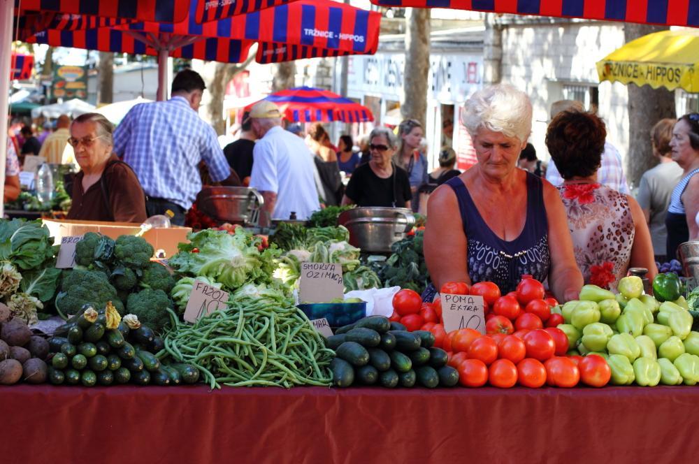 Split pazar yeri: domates ve fasülye etiketleri dikkatinizi çekti mi?