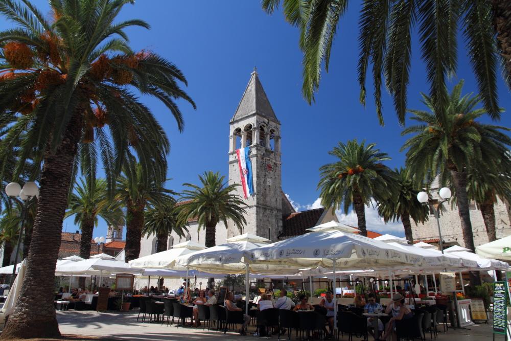 Trogir'in ekonomisi turizme, balıkçığa ve tarıma dayanıyor