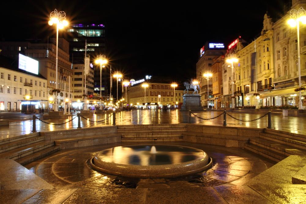 Zagreb Trg bana Jelacica meydanı ve şehre adını veren su kaynağı