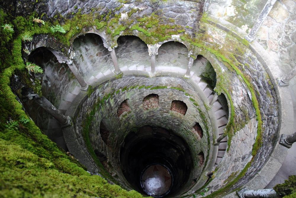 Quinta da Regaleira'nın kuyusu ve sarmal merdivenleri Unesco koruması altında