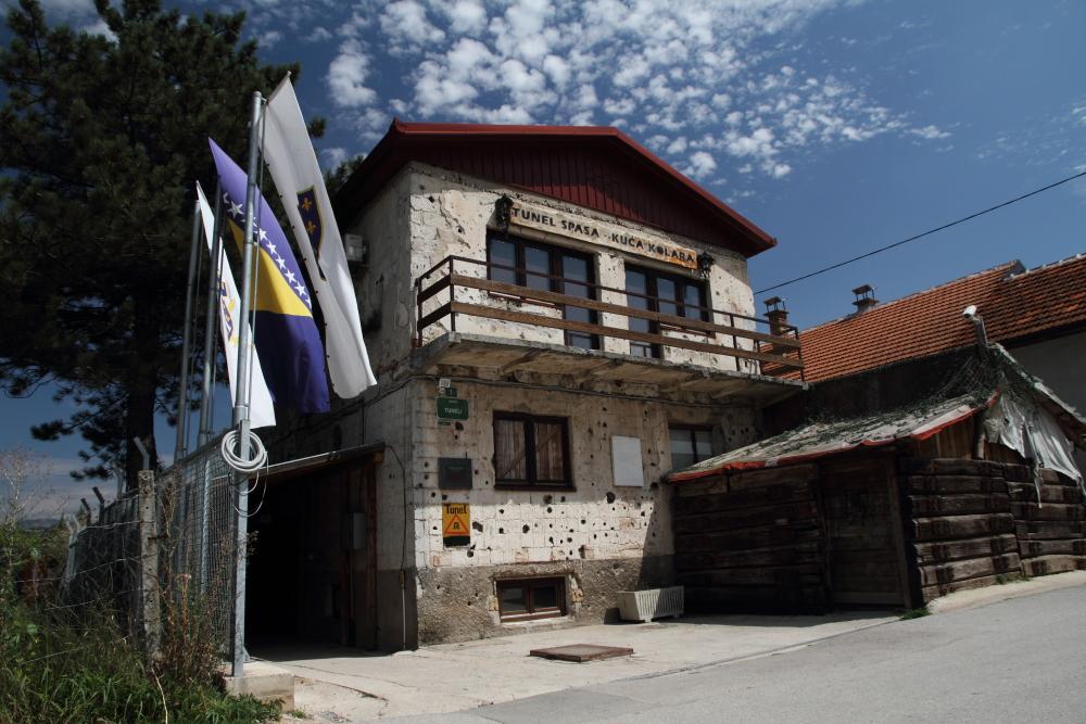 Bahçesinden Saray Bosna Umut Tüneli'nin kazıldığı ev bugün müze olarak da ziyaret edilebiliyor